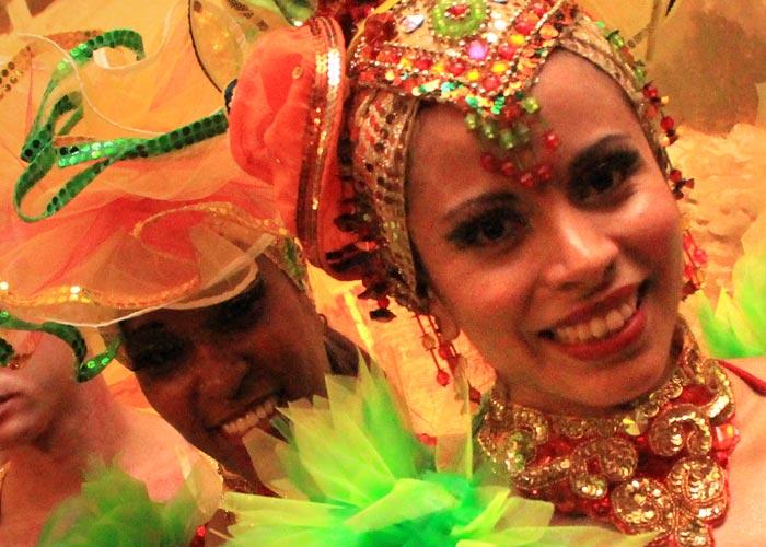 shows-cuban-salsa-dancers-gal-2-thumb
